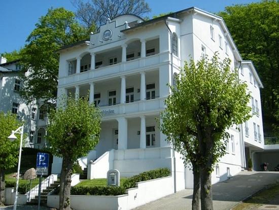 Familien- und Kinderfreundliche Ferienwohnungen in der Villa Celia Sellin