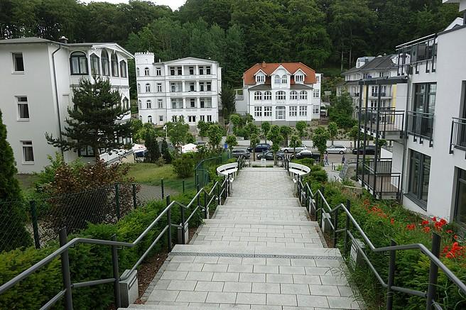 Blick aus dem Kurpark friedensberg auf die Wilhelmstraße