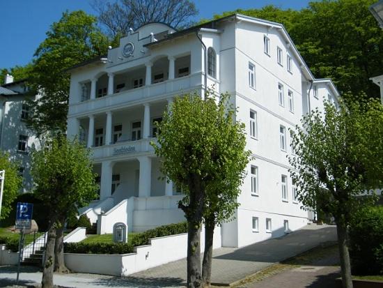 sellin-ruegen-villa-seefrieden-ferienwohnungen-sellin